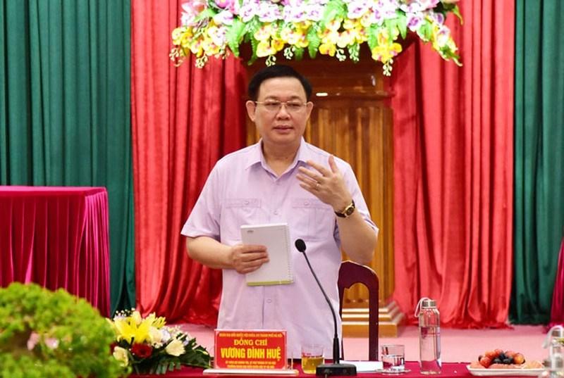 Bí thư Thành uỷ Hà Nội Vương Đình Huệ phát biểu tại buổi làm việc.