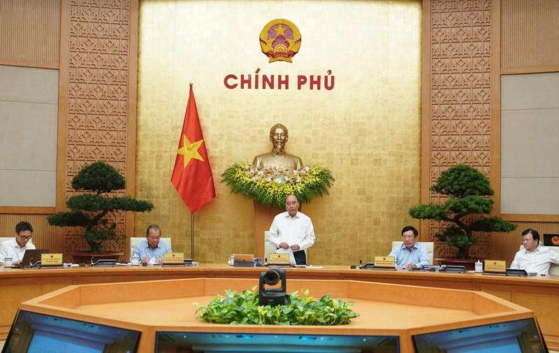 Thủ tướng Chính phủ Nguyễn Xuân Phúc phát biểu chỉ đạo tại phiên họp Chính phủ.
