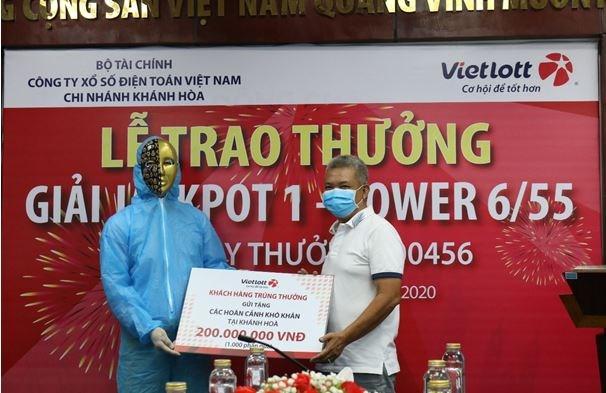 Tỷ phú Vietlott nộp ngân sách Khánh Hòa, từ thiện, hỗ trợ chống dịch covid-19 hơn 12 tỷ đồng - Ảnh 3