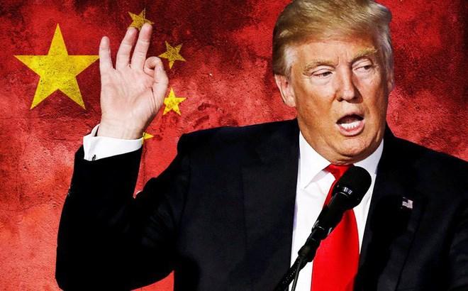 Tổng thống Mỹ Donald Trump bất ngờ quyết định lùi thời điểm áp thuế quan bảo hộ thương mại 10%.