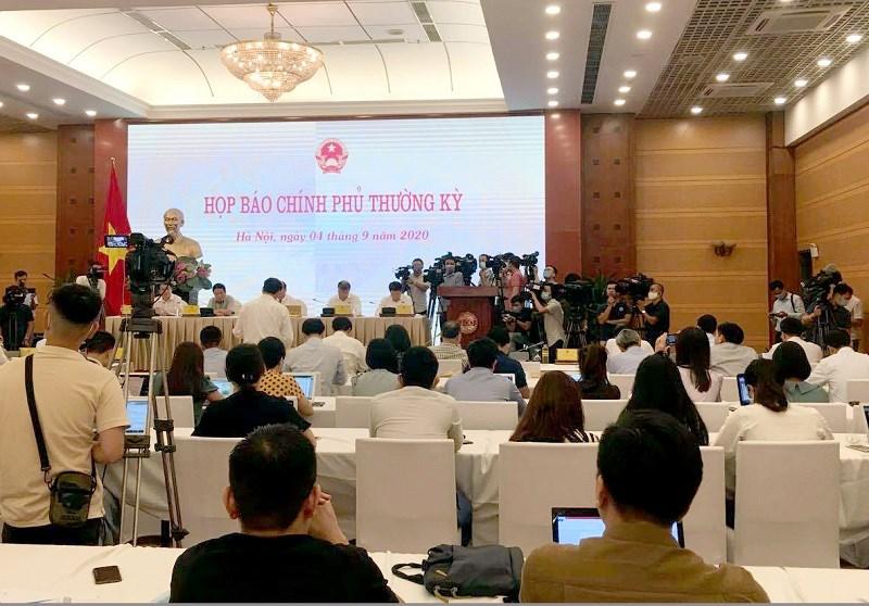 Buổi họp báo thu hút sự quan tâm của dông đảo phóng viên các cơ quan thông tấn báo chí.