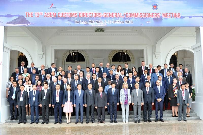 Các đại biểu tham dự Hội nghị Tổng cục trưởng Hải quan ASEM lần thứ 13 (ASEM 13) tại Việt Nam.