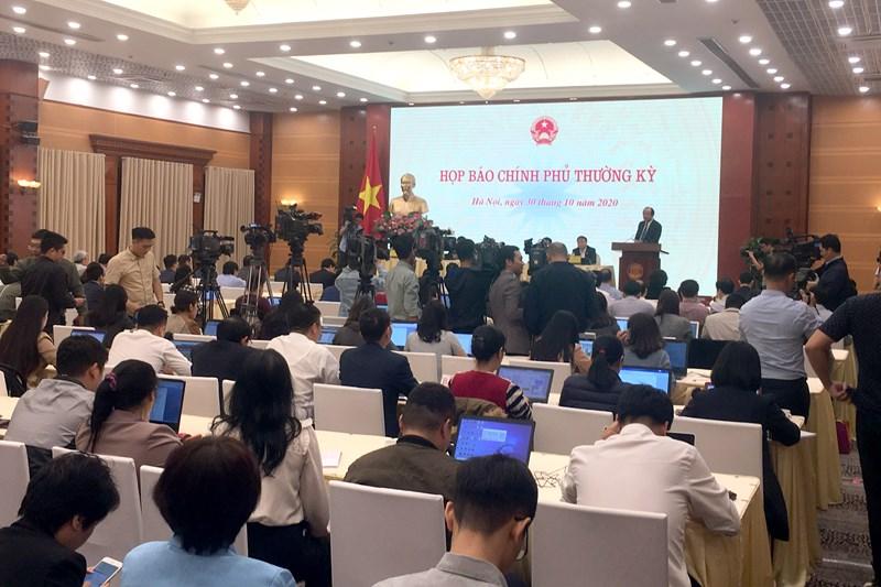 Quang cảnh buổi họp báo Chính phủ thường kỳ tháng 10/2020.