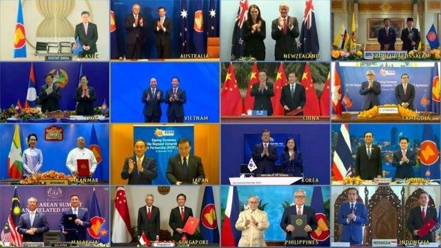Bộ trưởng Kinh tế của 15 quốc gia đã ký kết Hiệp định Đối tác toàn diện khu vực (RCEP) từ các đầu cầu truyền hình trực tuyến dưới sự chứng kiến của các Nguyên thủ quốc gia.