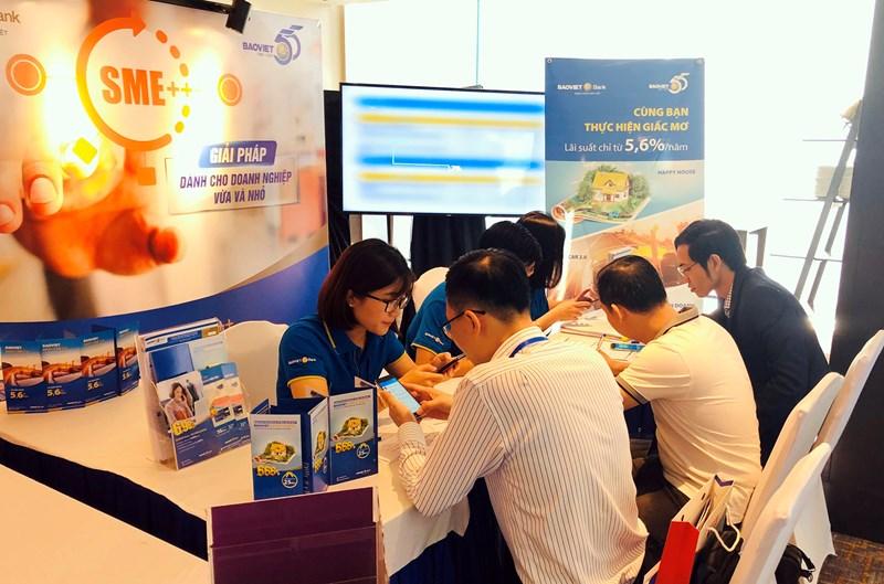 Tại triển lãm, BAOVIET Bank đã giới thiệu tới khách hàng sản phẩm thẻ tín dụng nội địa, ứng dụng BaovietPay.
