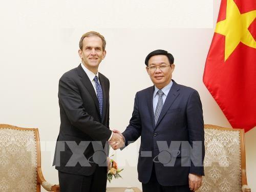 Phó Thủ tướng Vương Đình Huệ tiếp ông Kent Walker, Phó Chủ tịch Google