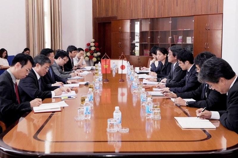 Quang cảnh buổi tiếp và làm việc giữa Bộ trưởng Đinh Tiến Dũng và Ngài Umeda Kunio