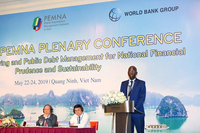 Ông Ousmane Dione, Giám đốc Quốc gia Ngân hàng Thế giớiphát biểu khai mạcHội nghị Toàn thể PEMNA năm 2019.