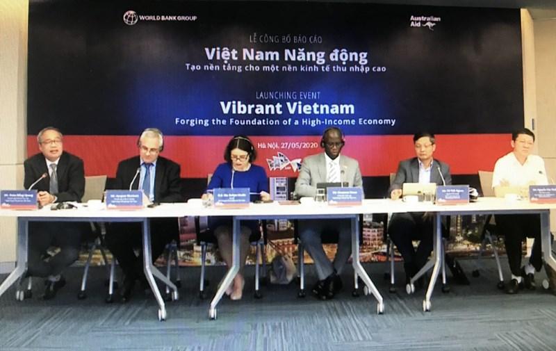 """Lễ ra mắt trực tuyến báo cáo """"Việt Nam Năng động - Tạo Nền tảng cho Nền Kinh tế Thu nhập Cao"""". (Ảnh chụp màn hình)"""