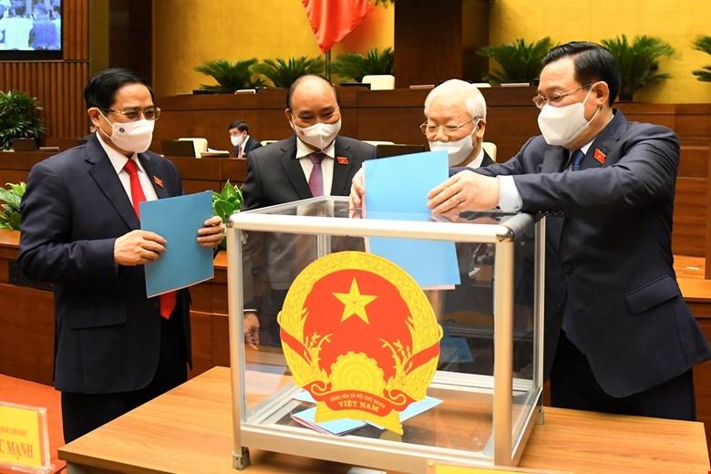 Các vị lãnh đạo Đẳng, Nhà nước, Quốc hội, Chính phủ bỏ phiếu về việc bổ nhiệm