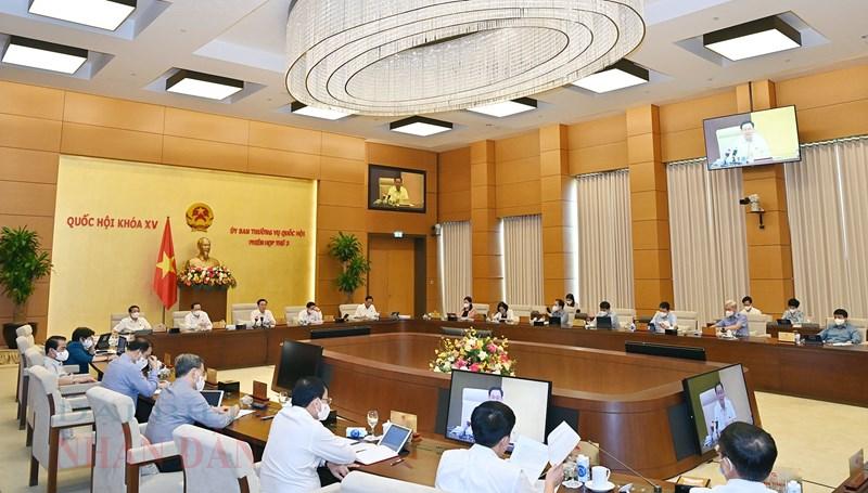 Ủy ban Thường vụ Quốc hội xem xét, quyết định phương án sử dụng nguồn cắt giảm, tiết kiệm chi ngân sách Trung ương năm 2021.Nguồn: quochoi.vn