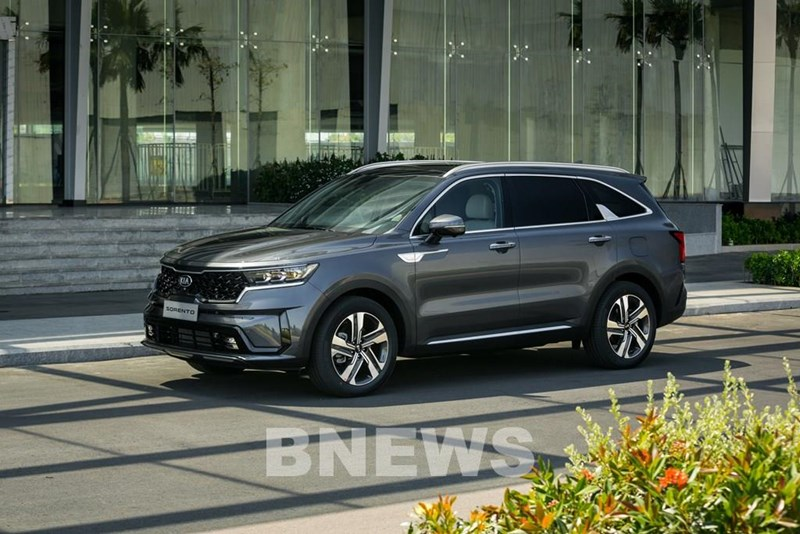 Mẫu xe 7 chỗ thực thụ đến từ thương hiệu Nhật Bản CX-8 được hỗ trợ cao nhất đến 120 triệu đồng.