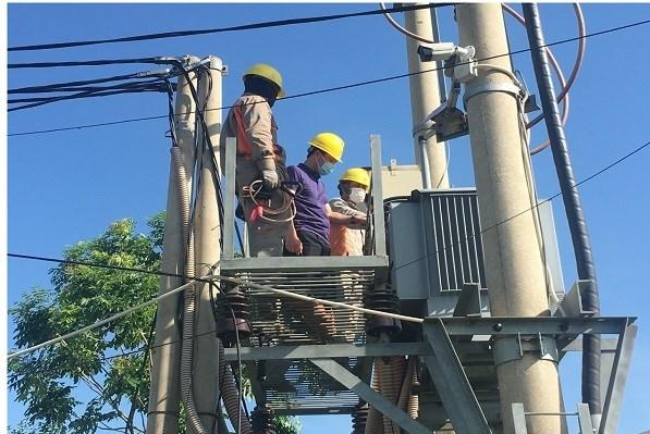 Công ty Điện lực Nghệ An đã bố trí lực lượng trực tăng cường 24/24h trong các ngày thi đảm bảo xử lý nhanh khi có sự cố xảy ra.