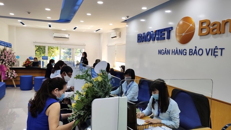 """BAOVIET Bank gửi tặng tới khách hàng chương trình khuyến mại tặng quà hấp dẫn """"Vui Rộn Ràng - Đón Xuân Sang""""."""