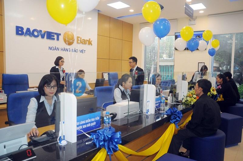 BAOVIET Bank mong muốn được đồng hành cùng khách hàng, chia sẻ trách nhiệm vàcó những hành động thiết thực chung tay cùng cộng đồng sớm đẩy lùi dịch bệnh.