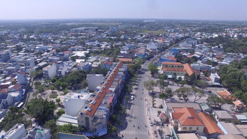 Cần Giuộc sẽ sở hữu giao thông liên vùng để vận chuyển hàng hóa nhanh chóng đến TP. Hồ Chí Minh cũng như các tỉnh thành thuộc vùng kinh tế trọng điểm phía Nam. Nguồn: baophapluat.vn