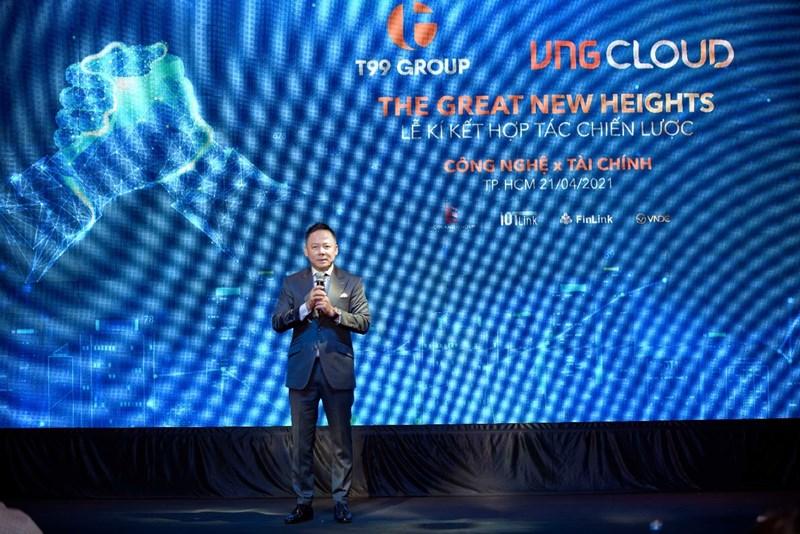 Ông Bùi Đức Long – Chủ tịch sáng lập Tập đoàn Tài Chính T99 chia sẻ về chiến lược phát triển hệ sinh thái T99 trong sự kiện ngày 21/04/2021 tại TP. Hồ Chí Minh vừa qua.
