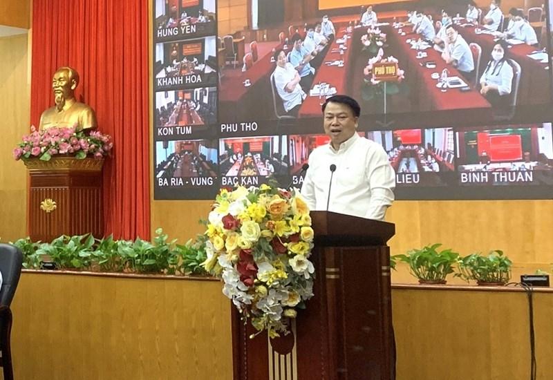 Tổng Giám đốc KBNN Nguyễn Đức Chi tiếp thu ý kiến chỉ đạo của Lãnh đạo Bộ Tài chính.