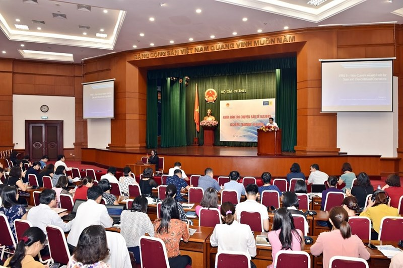 Toàn cảnh buổihội thảo về chủ đề IFRS do.Bộ Tài chính Việt Nam, CPA Australia phối hợp tổ chức.