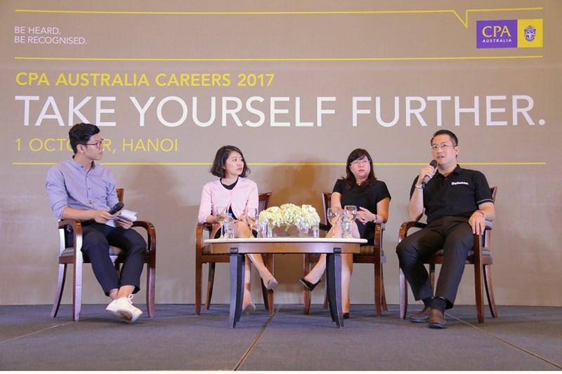 Buổi thảo luận chuyên đề giữa các lãnh đạo cấp cao đến từ Công ty Deloitte Vietnam, Ngân hàng VPBank và Bộ Tài chính với chủ đề 'Công thức thành công và Triển vọng cho các chuyên gia Kế toán và Tài chính tương lai trong bối cảnh hội nhập toàn cầu' tại Hà Nội.