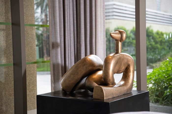 Tác phẩm điêu khắc tại không gian một dự án của Văn Phú - Invest.