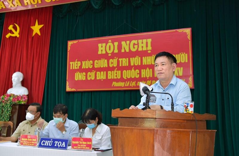 Bộ trưởng Hồ Đức Phớc phát biểu tại Hội nghị tiếp xúc cử tri tại phường Lê Lợi, TP. Quy Nhơn, tỉnh Bình Định, sáng ngày 6/4/2021.