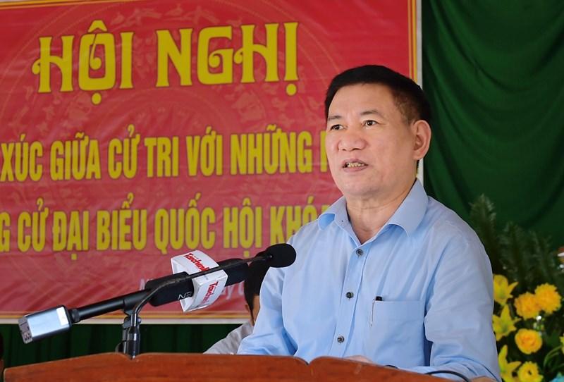 Bộ trưởng Hồ Đức Phớc trình bày tóm tắt về chương trình hành động của mình khi trở thành đại biểu Quốc hội khóa XV, nhiệm kỳ 2021-2026 tại Hội nghị tiếp xúc cử tri xã Nhơn Lý, TP. Quy Nhơn chiều ngày 6/4/2021.