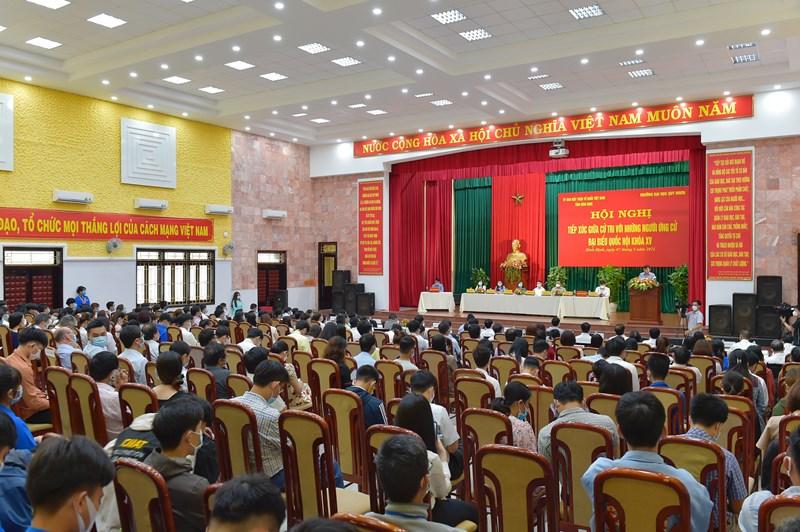 Quang cảnh hội nghị tiếp xúc cử tri tại Trường Đại học Quy Nhơn, tỉnh Bình Định, sáng ngày 7/5/2021.