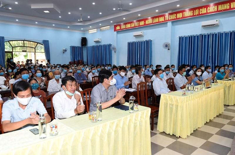 Toàn cảnh hội nghịtiếp xúc cử tri tại thị trấn Phú Phong, huyện Tây Sơn, tỉnh Bình Định sáng ngày 13/5/2021. Ảnh: Minh Tuấn