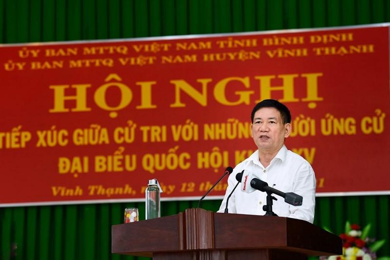 Bộ trưởng Hồ Đức Phớc trình bày chương trình hành động trước các cử tri huyện Vĩnh Thạnh, tỉnh Bình Định sáng ngày 12/5/2021. Ảnh: Minh Tuấn