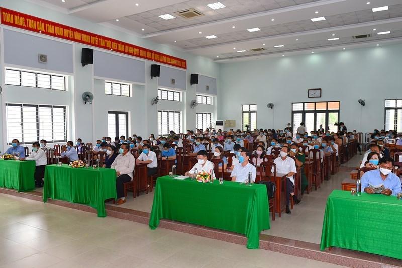 Toàn cảnh hội nghị tiếp xúc cử tri tại huyện Vĩnh Thạnh, tỉnh Bình Định sáng ngày 12/5/2021. Ảnh: Minh Tuấn