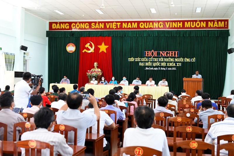 Hội nghị nhậnđượcsự quan tâm của bà con là cử tri Thị trấn Vân Canh, huyện Vân Canh, tỉnh Bình Định, chiều ngày 13/5/2021. Ảnh: Minh Tuấn