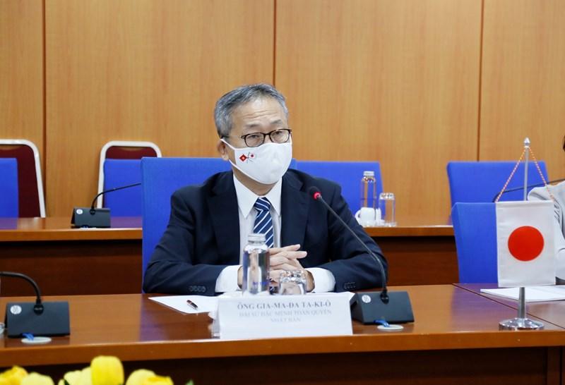 Đại sứ Yamada Takio khẳng định, mức tăng trưởng kinh tế ấn tượng của Việt Nam có sự đóng góp rất lớn của Bộ Tài chính.