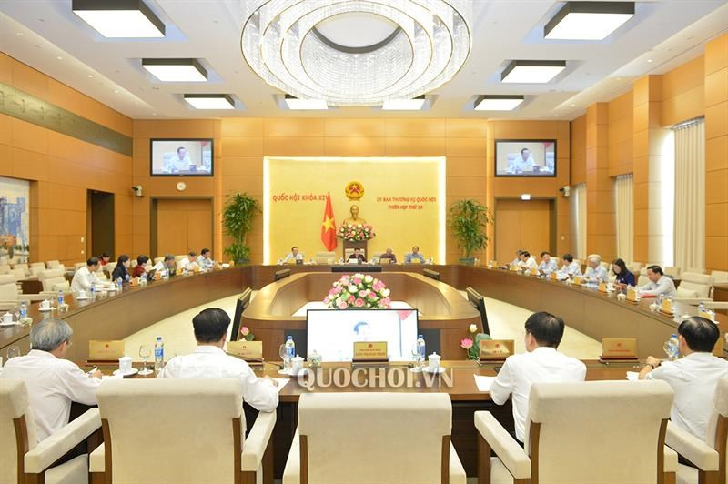 Toàn cảnh phiên họp thứ 35 của Uỷ ban Thườngvụ Quốc hội ngày 17/7/2019.