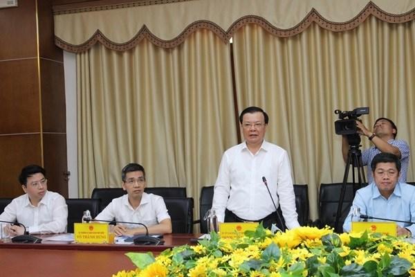 Bộ trưởng Đinh Tiến Dũng phát biểu tại buổi làm việc với UBND tỉnh Quảng Trị.