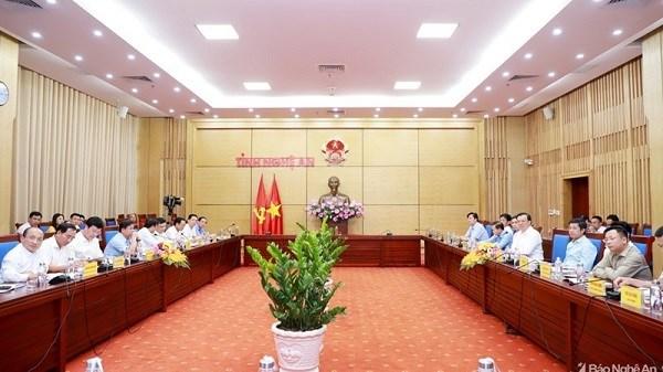 Toàn cảnh buổi làm việc của Bộ trưởng Đinh Tiến Dũng với UBND tỉnh Nghệ An. Nguồn: BNA