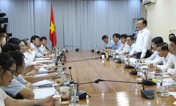 Toàn cảnh buổi làm việc của Bộ trưởng Đinh Tiến Dũng với UBND tỉnh Quảng Bình.