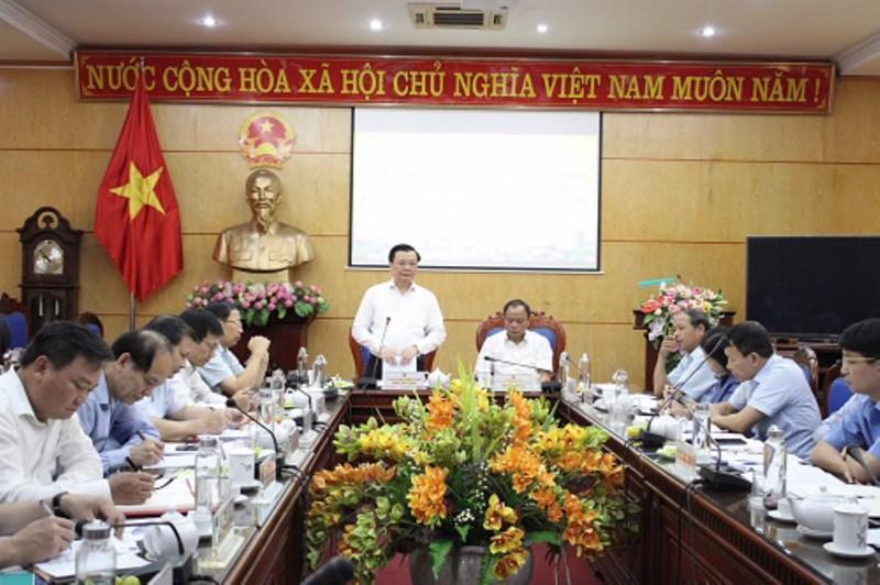 Bộ trưởng Đinh Tiến Dũng phát biểu tại buổi làm việc với tỉnh Bắc Kạn. Ảnh: T.T.