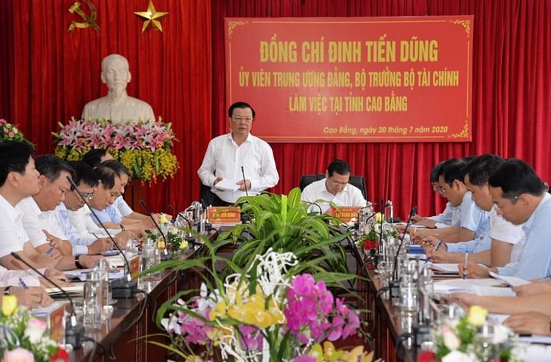 Bộ trưởng Đinh Tiến Dũng phát biểu tại buổi làm việc với tỉnh Cao Bằng.