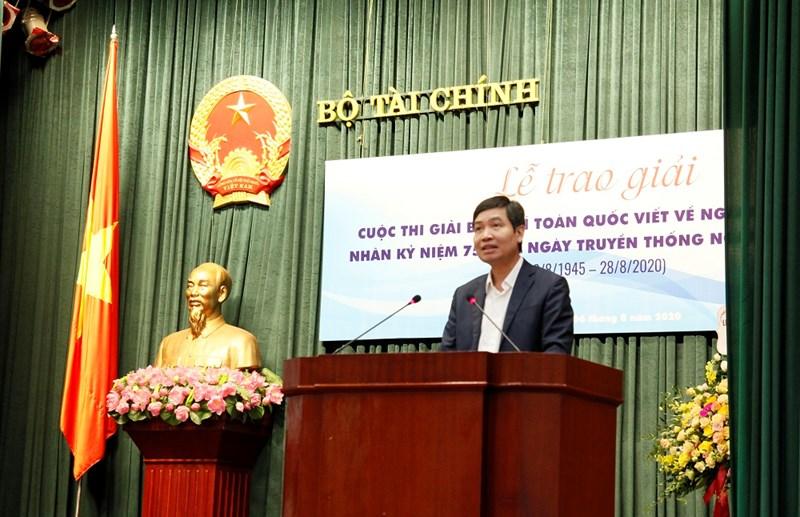 Thứ trưởng Bộ Tài chính Tạ Anh Tuấn phát biểu tại buổi lễ.