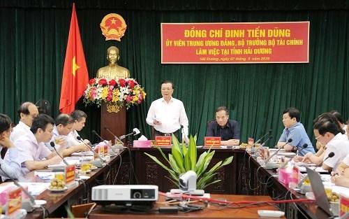 Bộ trưởng Đinh Tiến Dũng phát biểu tại buổi làm việc.