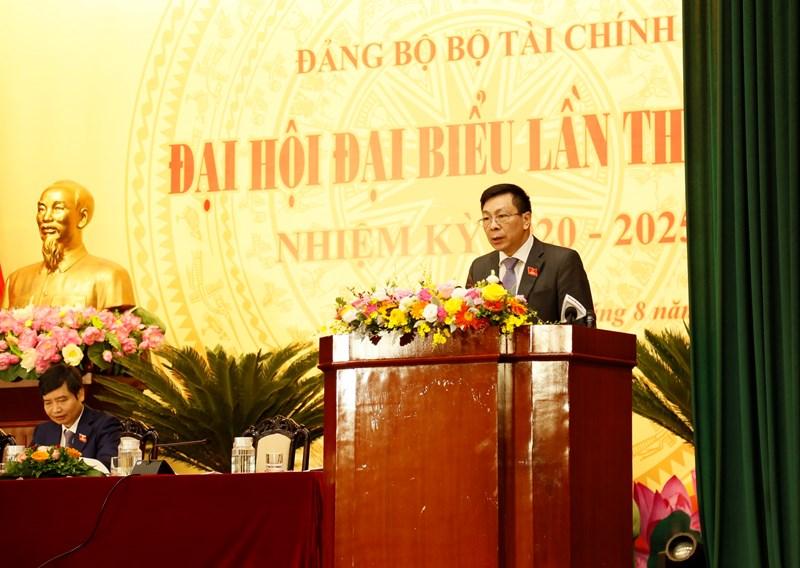 Đồng chí Nguyễn Hữu Thân, Phó Bí thư Đảng uỷ Bộ Tài chính báo cáo kết quả nhiệm kỳ 2015-2020, phương hướng, nhiệm vụ, giải pháp nhiệm kỳ 2020-2025.