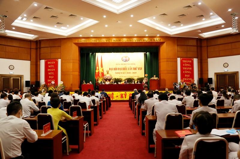 Toàn cảnh Đại hội đại biểu Đảng bộ Bộ Tài chính lần thứ XXV, nhiệm kỳ 2020-2025.