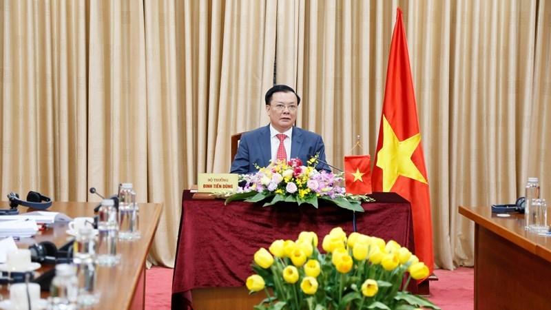 Bộ trưởng Bộ Tài chính Đinh Tiến Dũng tại Hội nghị trực tuyến thường niên lần thứ 53 giữa các Bộ trưởng Tài chính và Bộ trưởng Y tế.