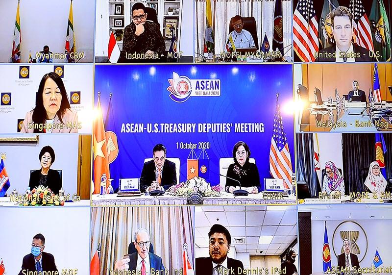 Đại biểu tham dự hội nghị trực tuyến tại điểm cầu các nước.
