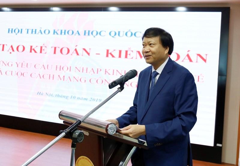 TS. Hà Xuân Hùng - Hiệu trưởng Trường Đại học Lao động Xã hội phát biểu khai mạc Hội thảo.
