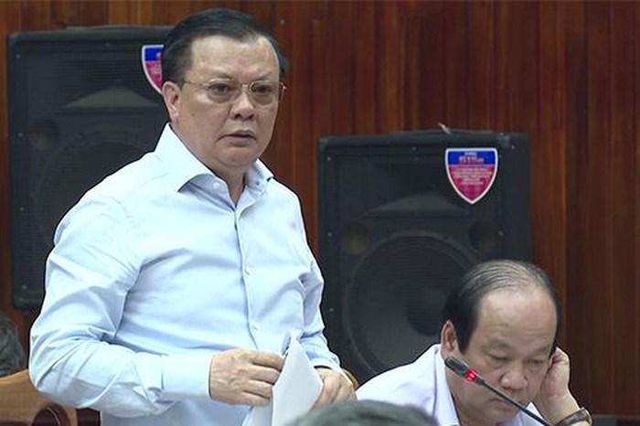 Bộ trưởng Bộ Tài chính Đinh Tiến Dũng phát biểu tại buổi làm việc.