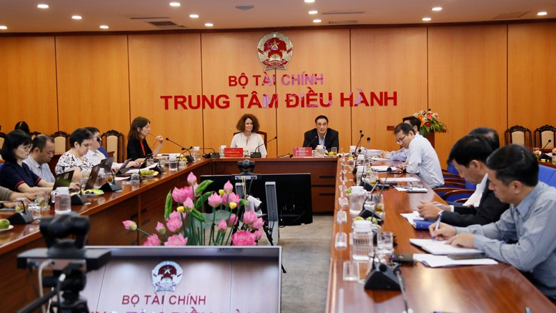 Thứ trưởng Bộ Tài chính Trần Xuân Hà phát biểu kết luận Hội nghị.