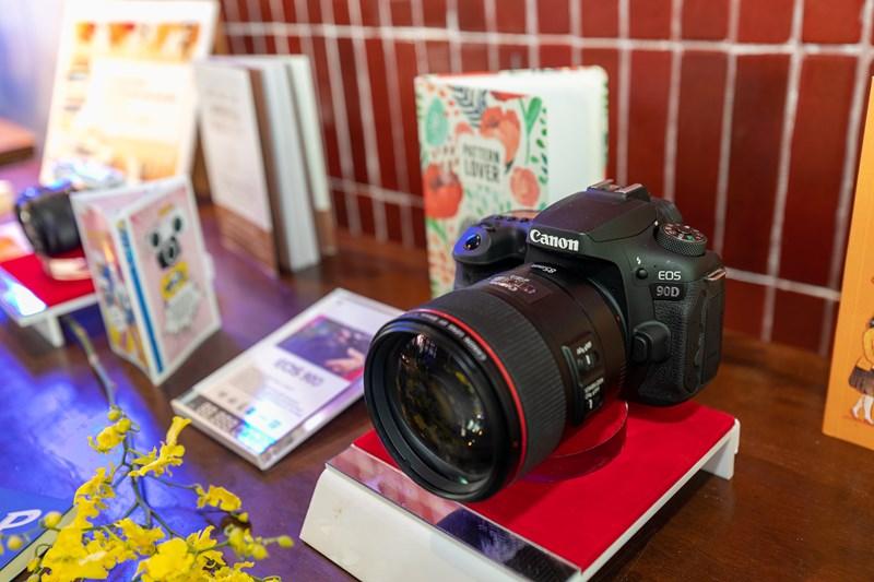 Canon ra mắt máy ảnh EOS 90D, EOS M6 Mark II chuyên chụp thể thao, quay Vlog - Ảnh 2