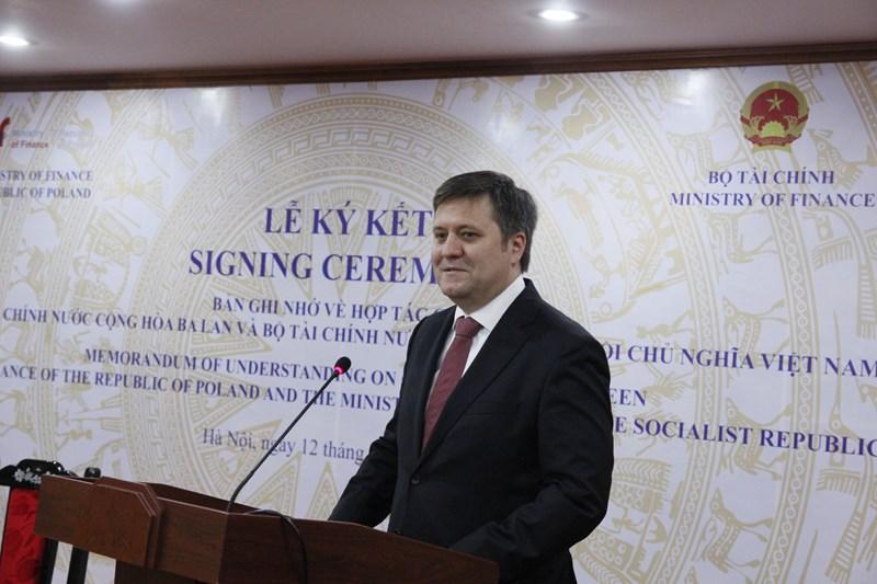 Đại sứ đặc mệnh toàn quyền Ba Lan tại Việt Nam Wojciech Gerwel phát biểu tại buổi lễ.